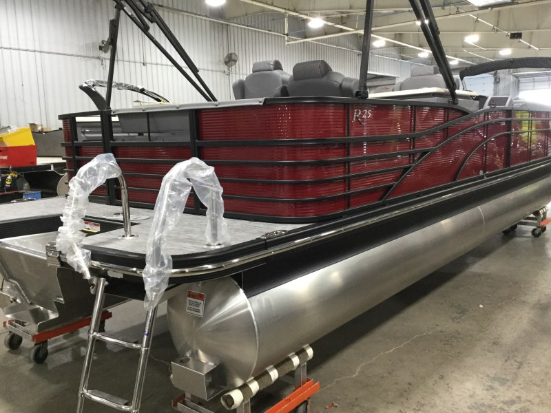 2020 Bennington boat for sale, model of the boat is 25 RSD & Image # 11 of 15