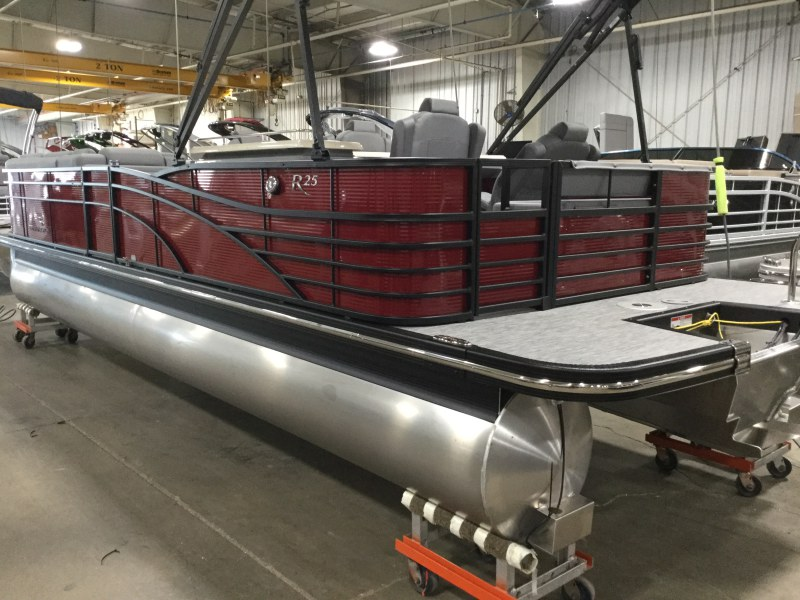2020 Bennington boat for sale, model of the boat is 25 RSD & Image # 12 of 15