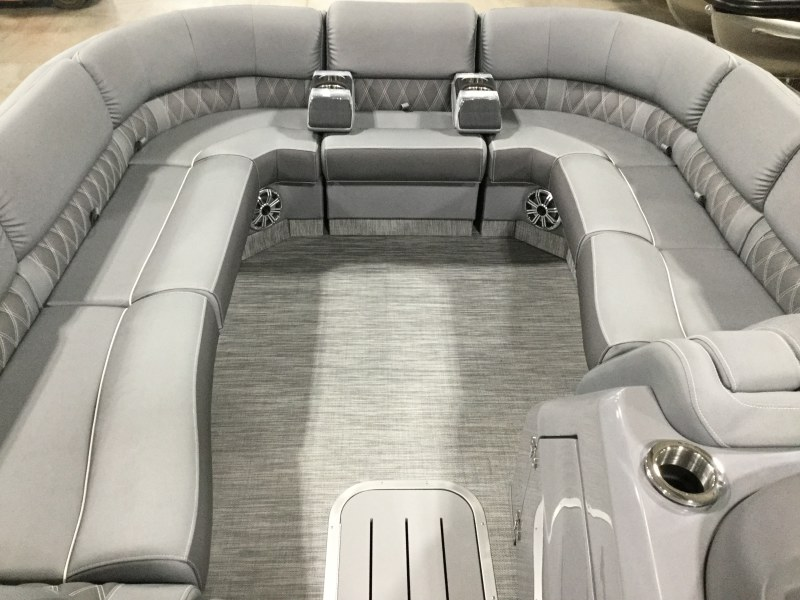 2020 Bennington boat for sale, model of the boat is 25 RSD & Image # 7 of 16