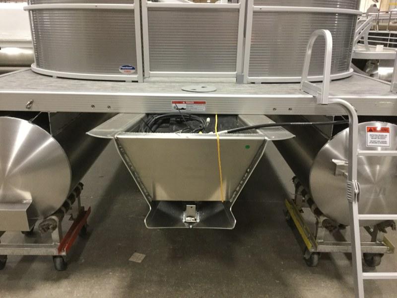 2020 Bennington boat for sale, model of the boat is 25 SPDX & Image # 9 of 15