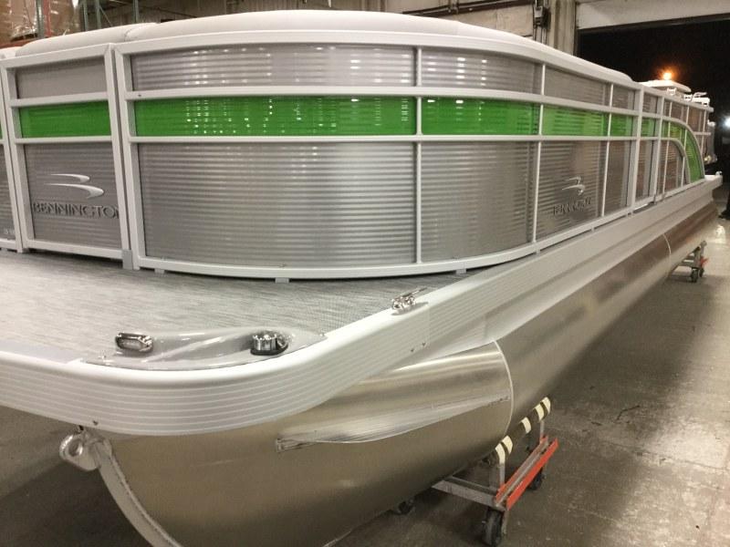 2020 Bennington boat for sale, model of the boat is 25 SPDX & Image # 1 of 15