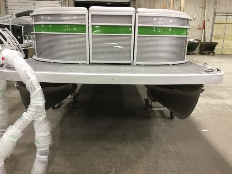 2020 Bennington boat for sale, model of the boat is 25 SPDX & Image # 10 of 15