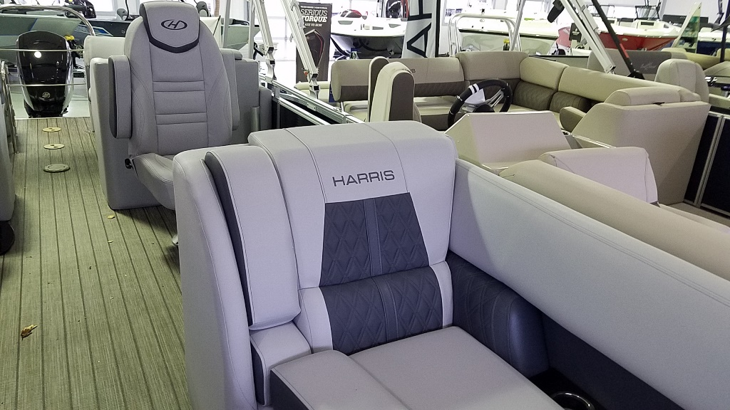 2020 Harris boat for sale, model of the boat is Solstice 230 & Image # 5 of 18