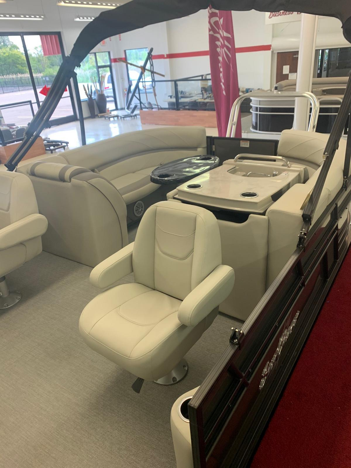 2020 SunChaser boat for sale, model of the boat is Geneva Cruise 22 LR DH & Image # 4 of 14