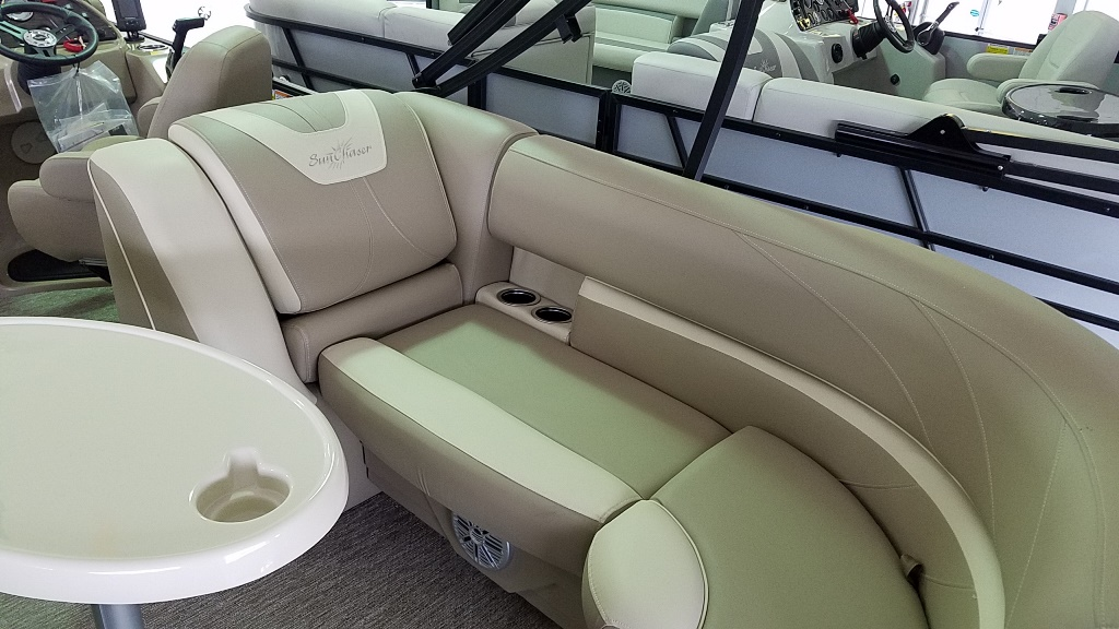 2020 SunChaser boat for sale, model of the boat is Geneva Cruise 22 LR DH & Image # 7 of 10