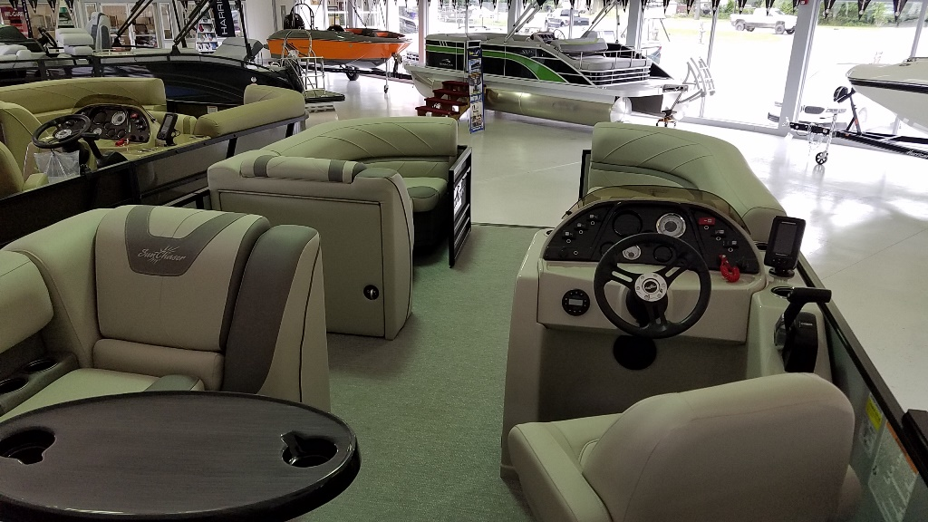 2020 SunChaser boat for sale, model of the boat is Geneva Cruise 22 SB & Image # 9 of 12