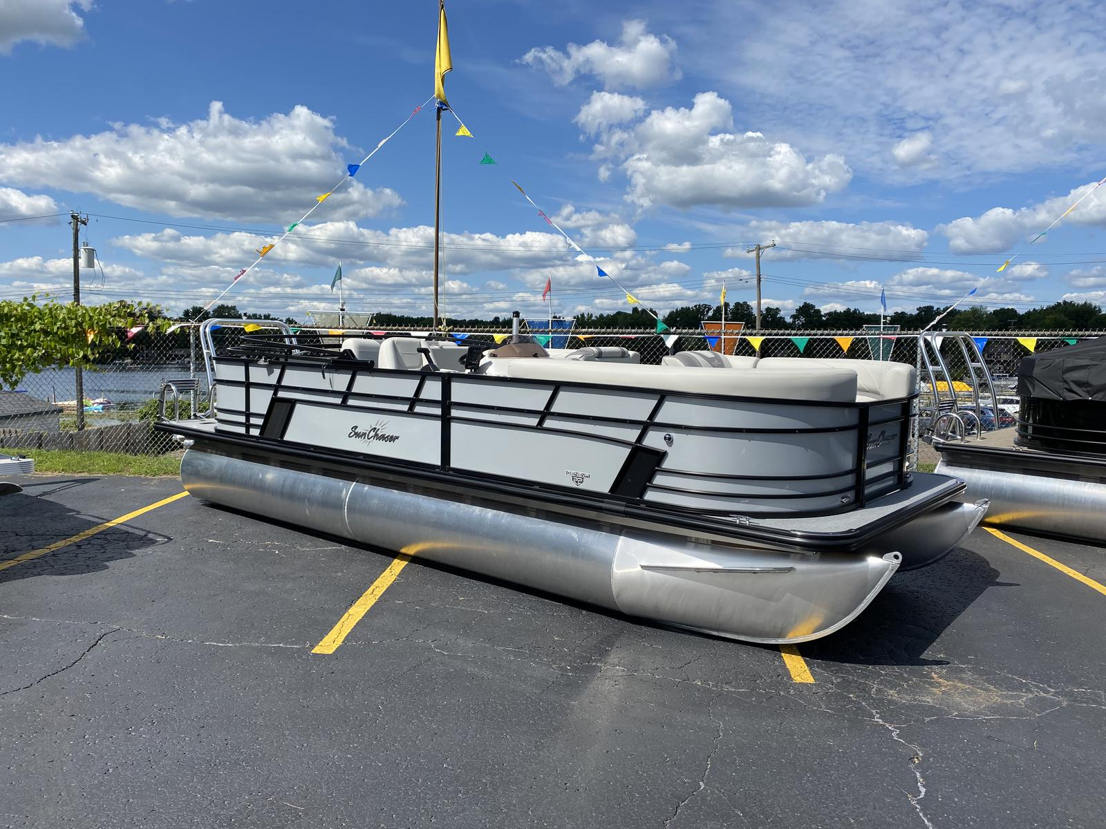 2020 SunChaser boat for sale, model of the boat is Geneva Cruise 22 SB & Image # 1 of 12