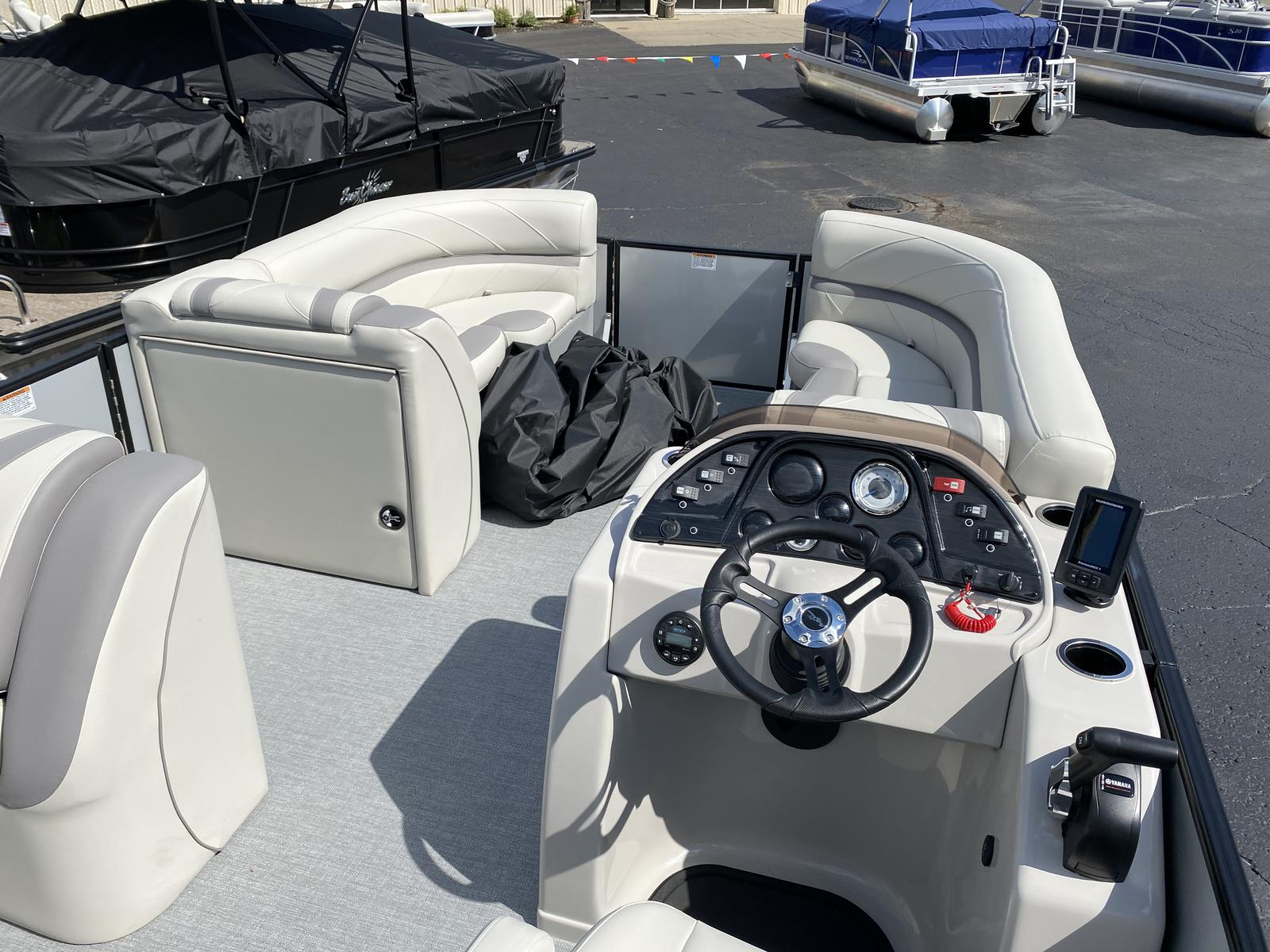 2020 SunChaser boat for sale, model of the boat is Geneva Cruise 22 SB & Image # 11 of 12