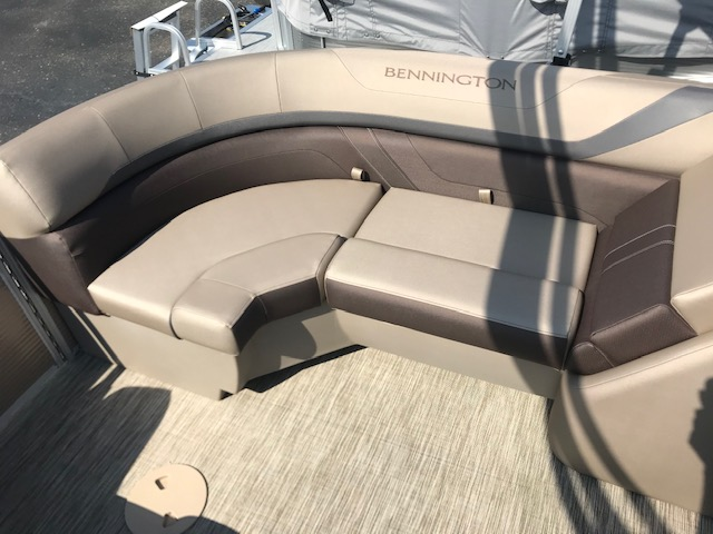 2021 Bennington boat for sale, model of the boat is 23 SSRX & Image # 13 of 16