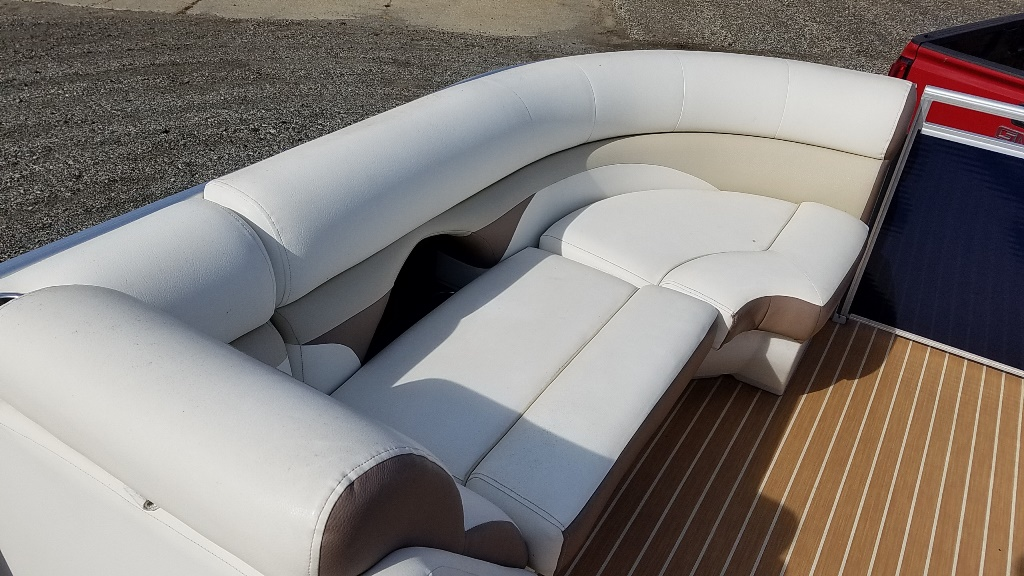 2014 Harris boat for sale, model of the boat is Sunliner 200 & Image # 9 of 14