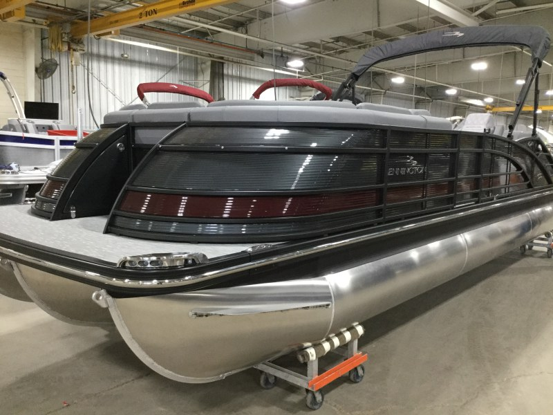 2020 Bennington boat for sale, model of the boat is 25 QSB & Image # 1 of 18