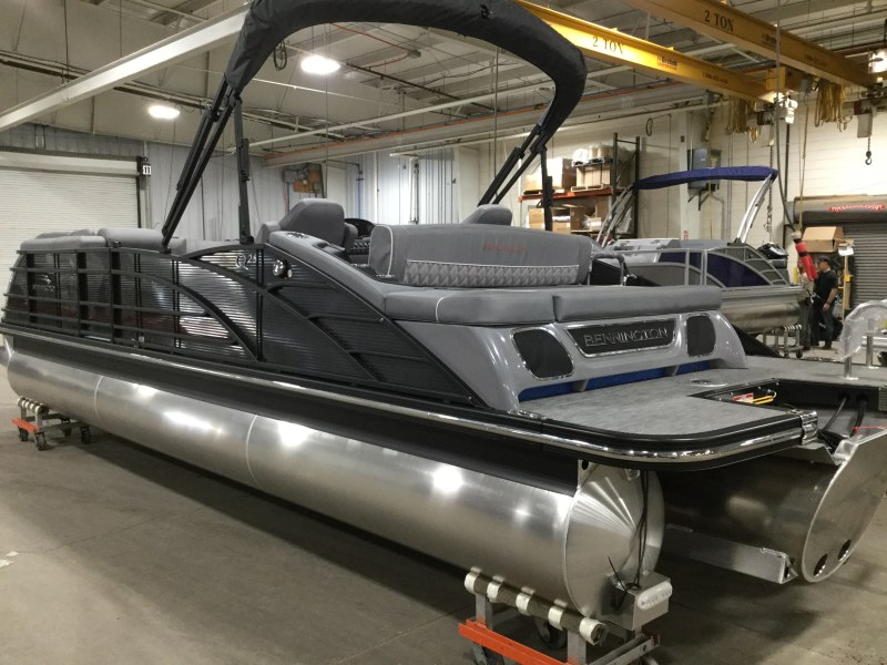 2020 Bennington boat for sale, model of the boat is 25 QSB & Image # 8 of 18