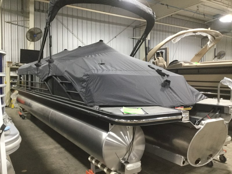 2020 Bennington boat for sale, model of the boat is 25 QSB & Image # 9 of 18