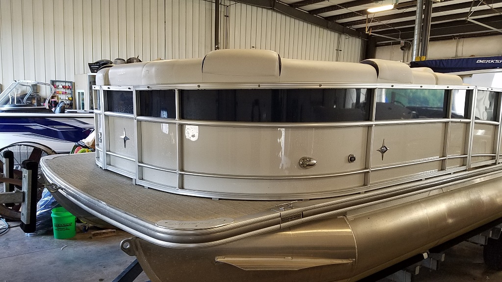 2018 Berkshire Pontoons boat for sale, model of the boat is STS Entertainment Series 25E STS 2.0 & Image # 4 of 17