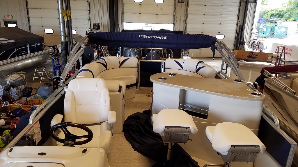 2018 Berkshire Pontoons boat for sale, model of the boat is STS Entertainment Series 25E STS 2.0 & Image # 5 of 17