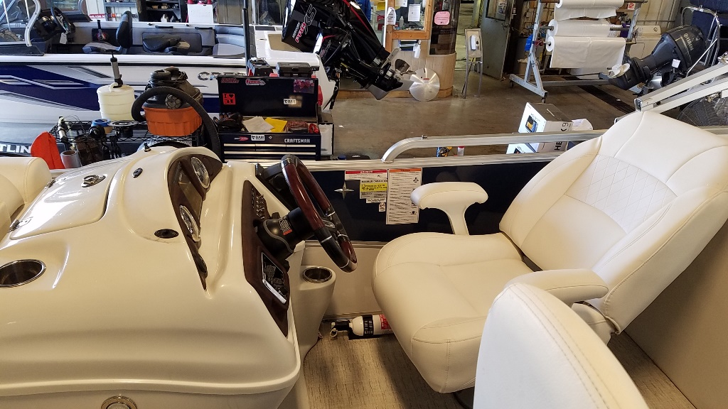 2018 Berkshire Pontoons boat for sale, model of the boat is STS Entertainment Series 25E STS 2.0 & Image # 8 of 17