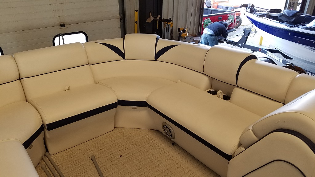 2018 Berkshire Pontoons boat for sale, model of the boat is STS Entertainment Series 25E STS 2.0 & Image # 9 of 17