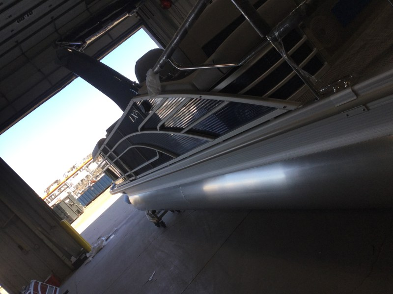 2021 Bennington boat for sale, model of the boat is 23 LXSBA - Cladded Sport Arch & Image # 2 of 11