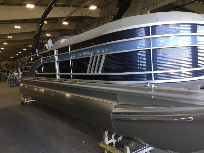 2021 Bennington boat for sale, model of the boat is 23 LXSBA - Cladded Sport Arch & Image # 1 of 11