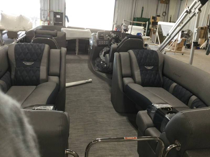 2021 Bennington boat for sale, model of the boat is 23 RFB & Image # 5 of 13