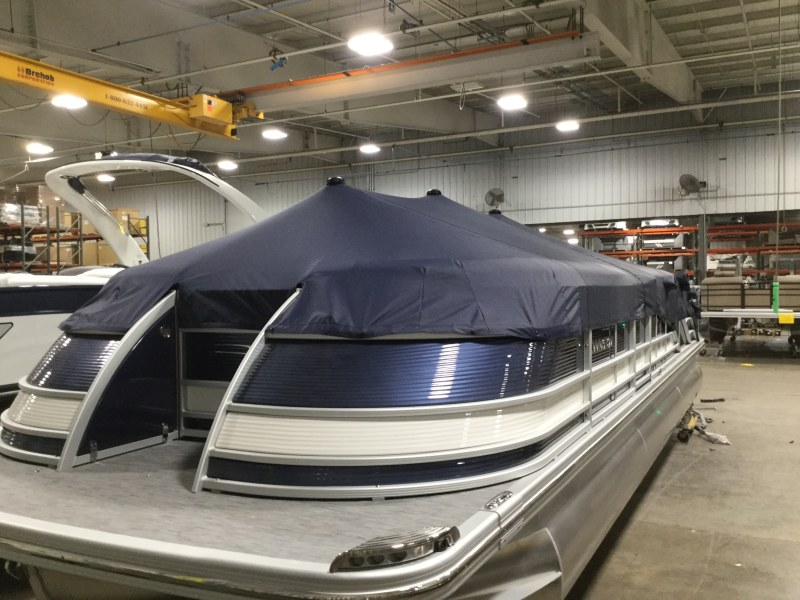 2021 Bennington boat for sale, model of the boat is 25 QSB & Image # 1 of 8