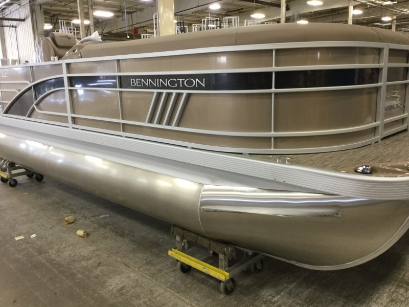 2021 Bennington boat for sale, model of the boat is 21 LL & Image # 1 of 13