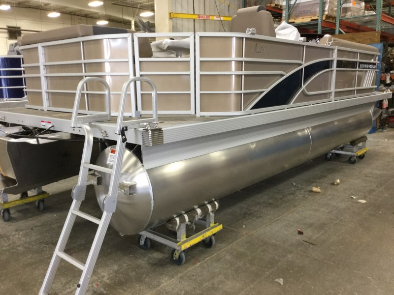 2021 Bennington boat for sale, model of the boat is 21 LL & Image # 13 of 13