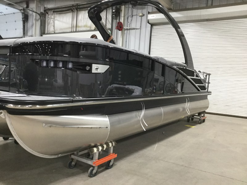 2021 Bennington boat for sale, model of the boat is 23 RXSBA - Cladded Sport Arch & Image # 1 of 10