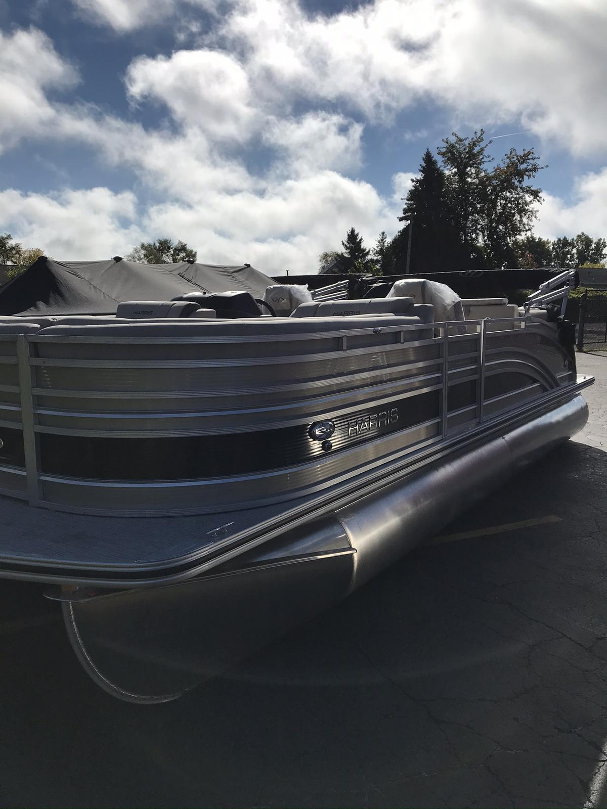 2021 Harris boat for sale, model of the boat is Solstice 230 & Image # 1 of 12