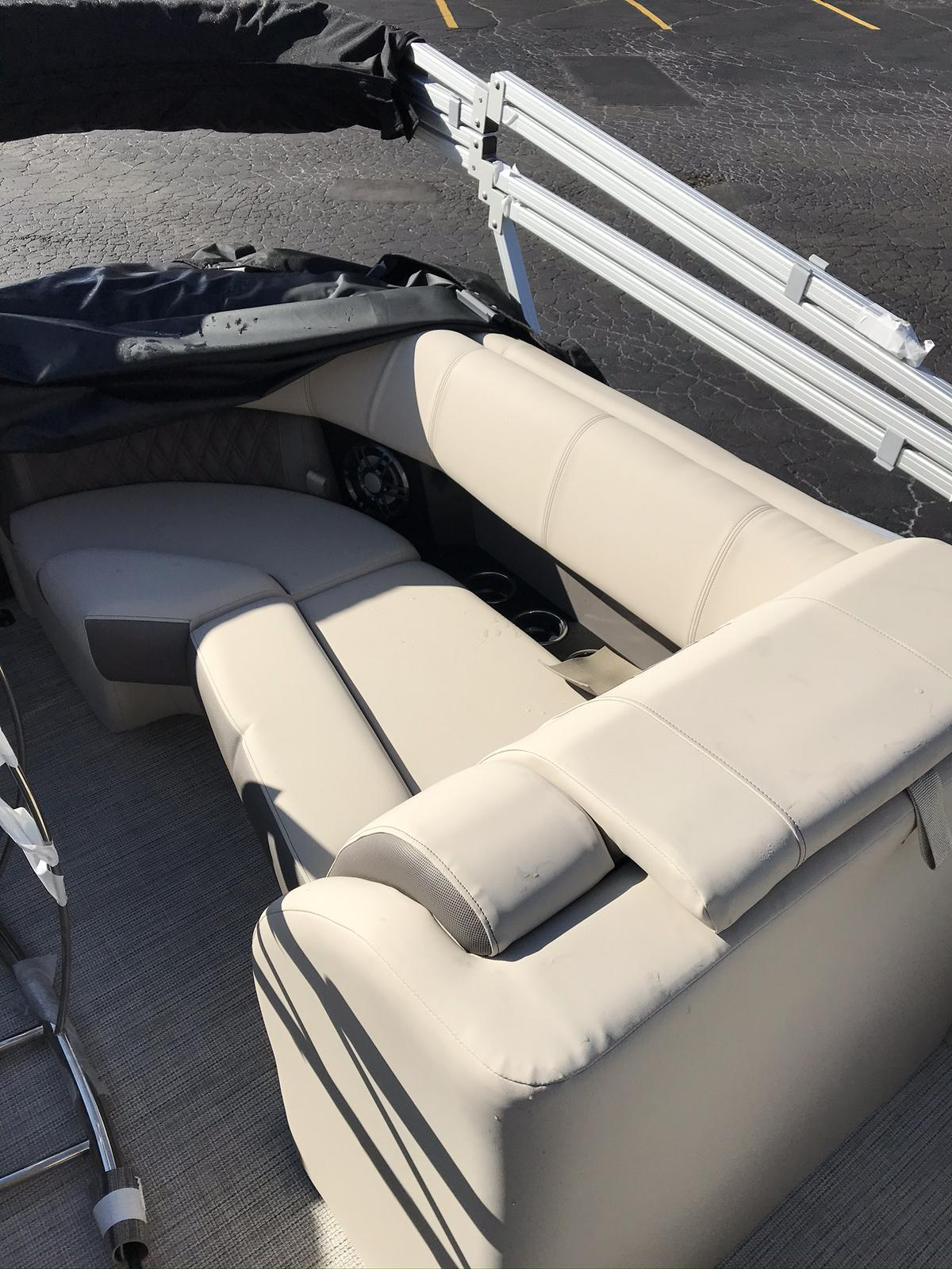 2021 Harris boat for sale, model of the boat is Solstice 230 & Image # 7 of 12