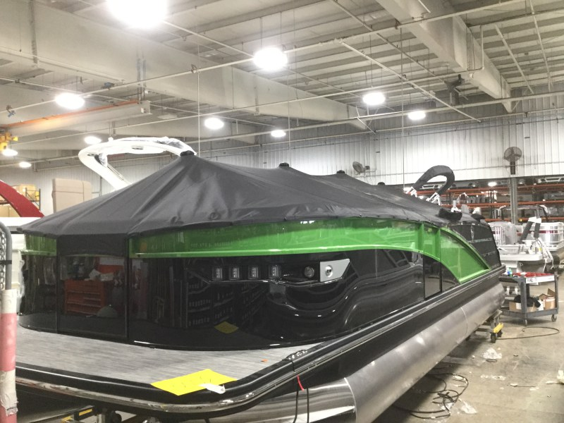 2021 Bennington boat for sale, model of the boat is 23 RXFB & Image # 17 of 19
