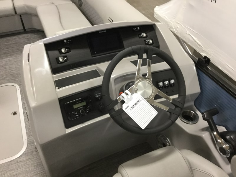 2021 Bennington boat for sale, model of the boat is 21 LL & Image # 4 of 9