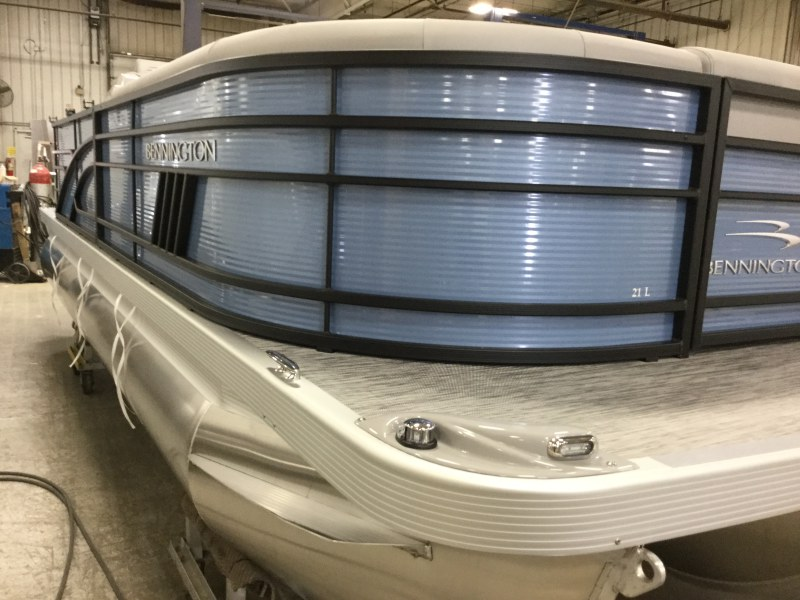 2021 Bennington boat for sale, model of the boat is 21 LL & Image # 9 of 9