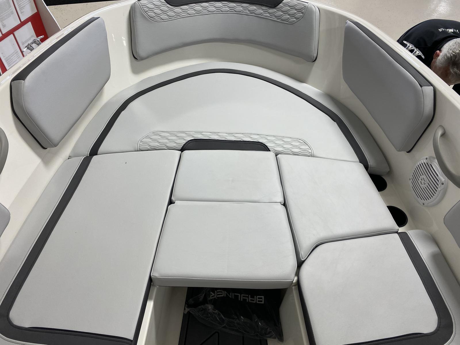 2021 Bayliner boat for sale, model of the boat is M-15 & Image # 3 of 4