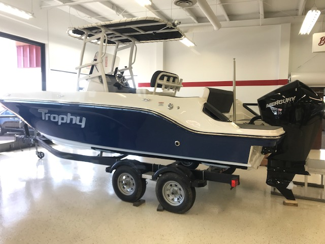 2021 Bayliner boat for sale, model of the boat is T22CX & Image # 1 of 17