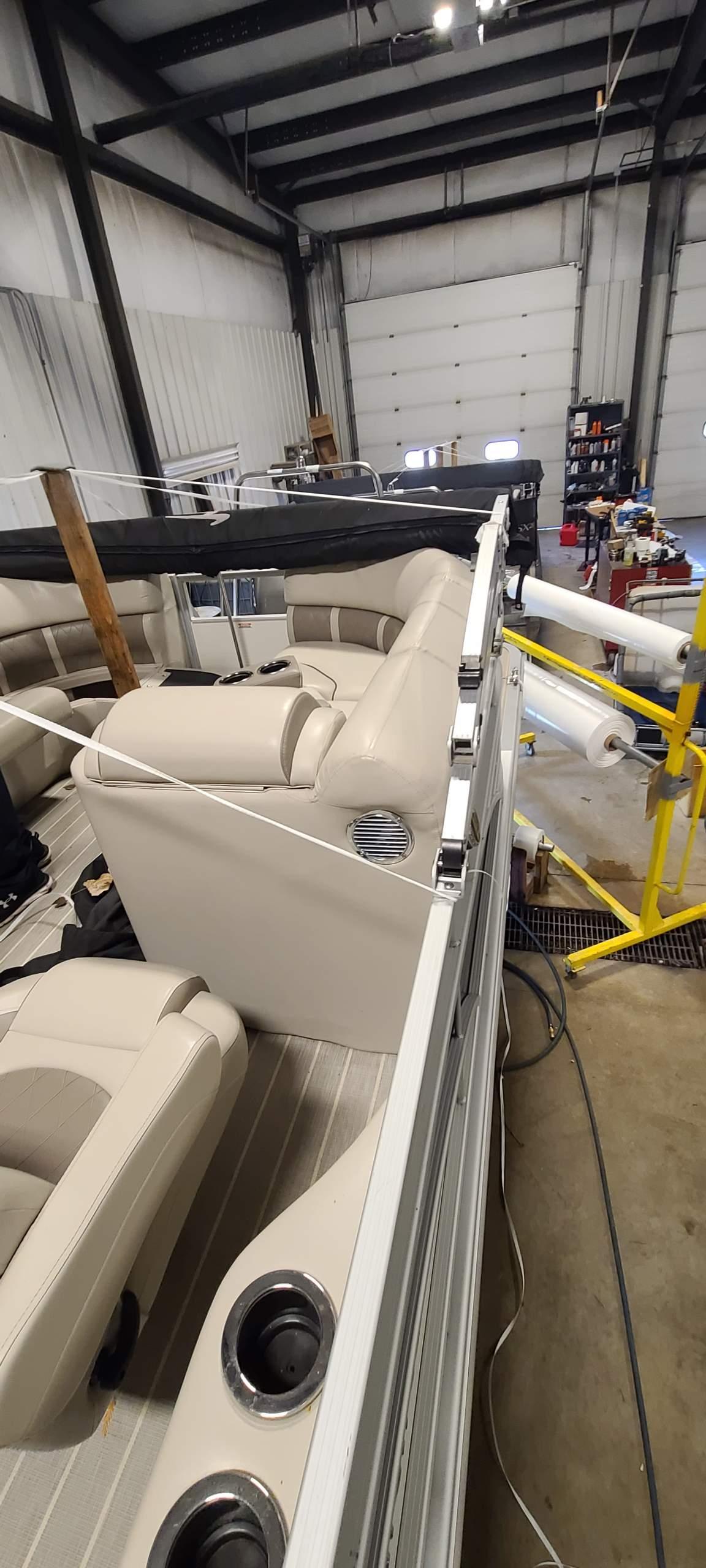 2016 Bennington boat for sale, model of the boat is 2250 GSR & Image # 6 of 6