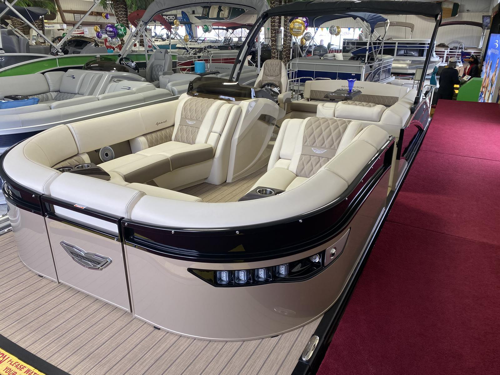 2021 Bennington boat for sale, model of the boat is 23 RXSB & Image # 1 of 7