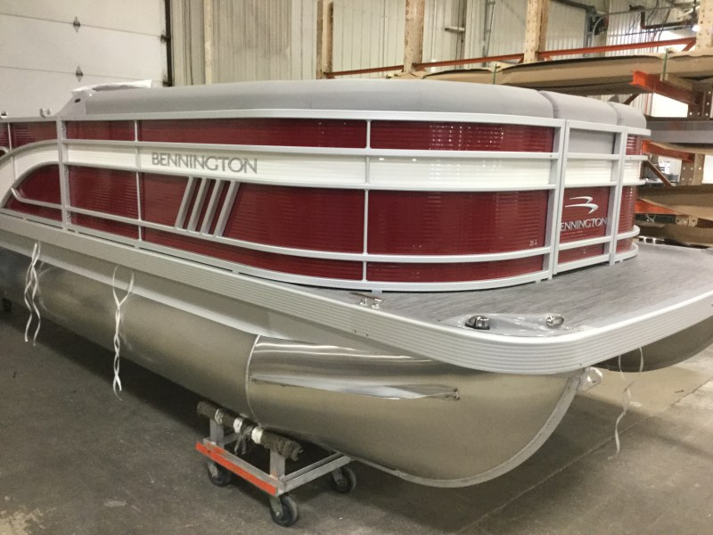 2021 Bennington boat for sale, model of the boat is 21 LL & Image # 2 of 13