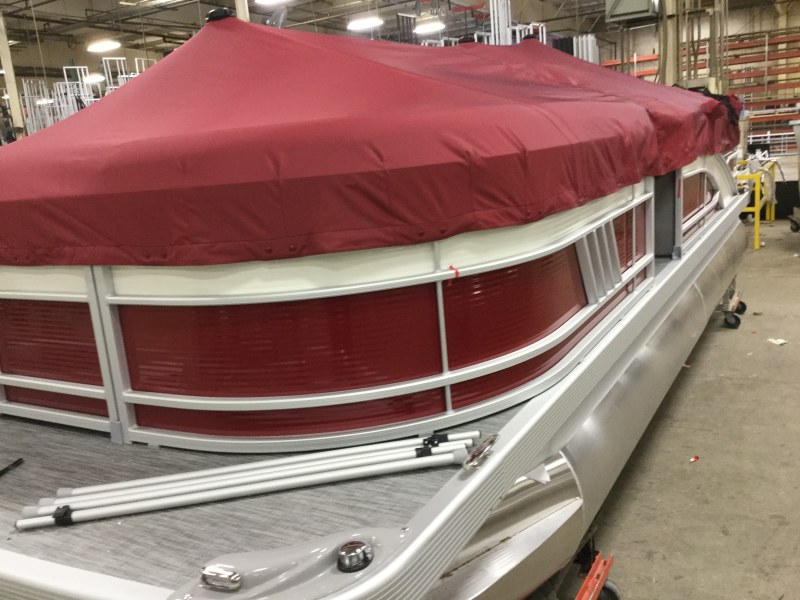 2021 Bennington boat for sale, model of the boat is 21 LL & Image # 10 of 13