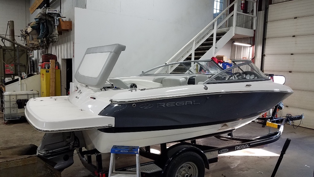 2019 Regal boat for sale, model of the boat is 1900 ES & Image # 3 of 14
