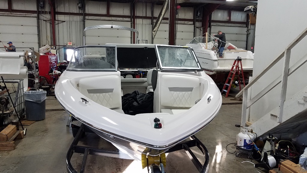 2019 Regal boat for sale, model of the boat is 1900 ES & Image # 4 of 14