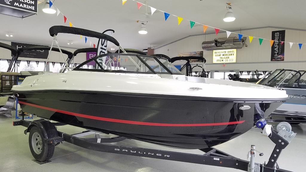 2021 Bayliner boat for sale, model of the boat is VR4 Bowrider & Image # 1 of 15