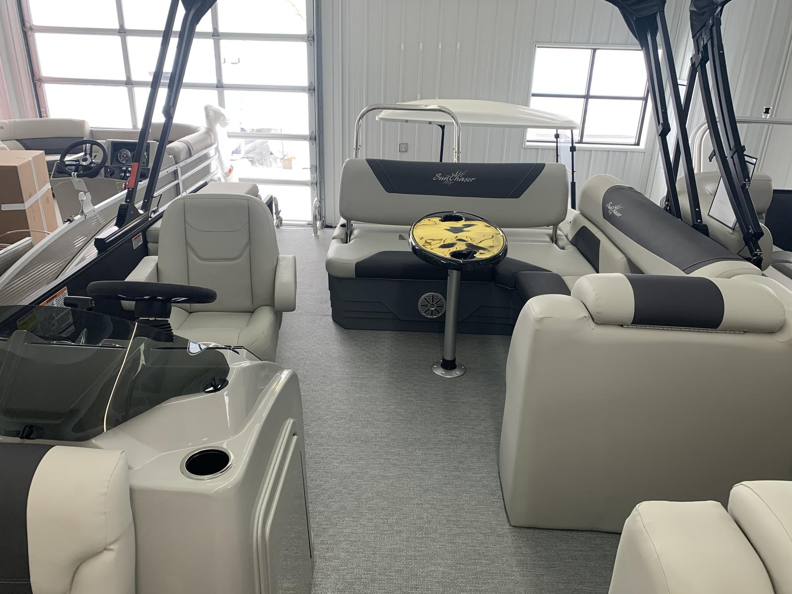 2021 SunChaser boat for sale, model of the boat is Geneva Cruise 22 SB & Image # 3 of 14