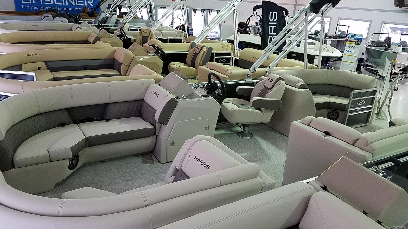 2021 Harris boat for sale, model of the boat is Sunliner 210 & Image # 2 of 16