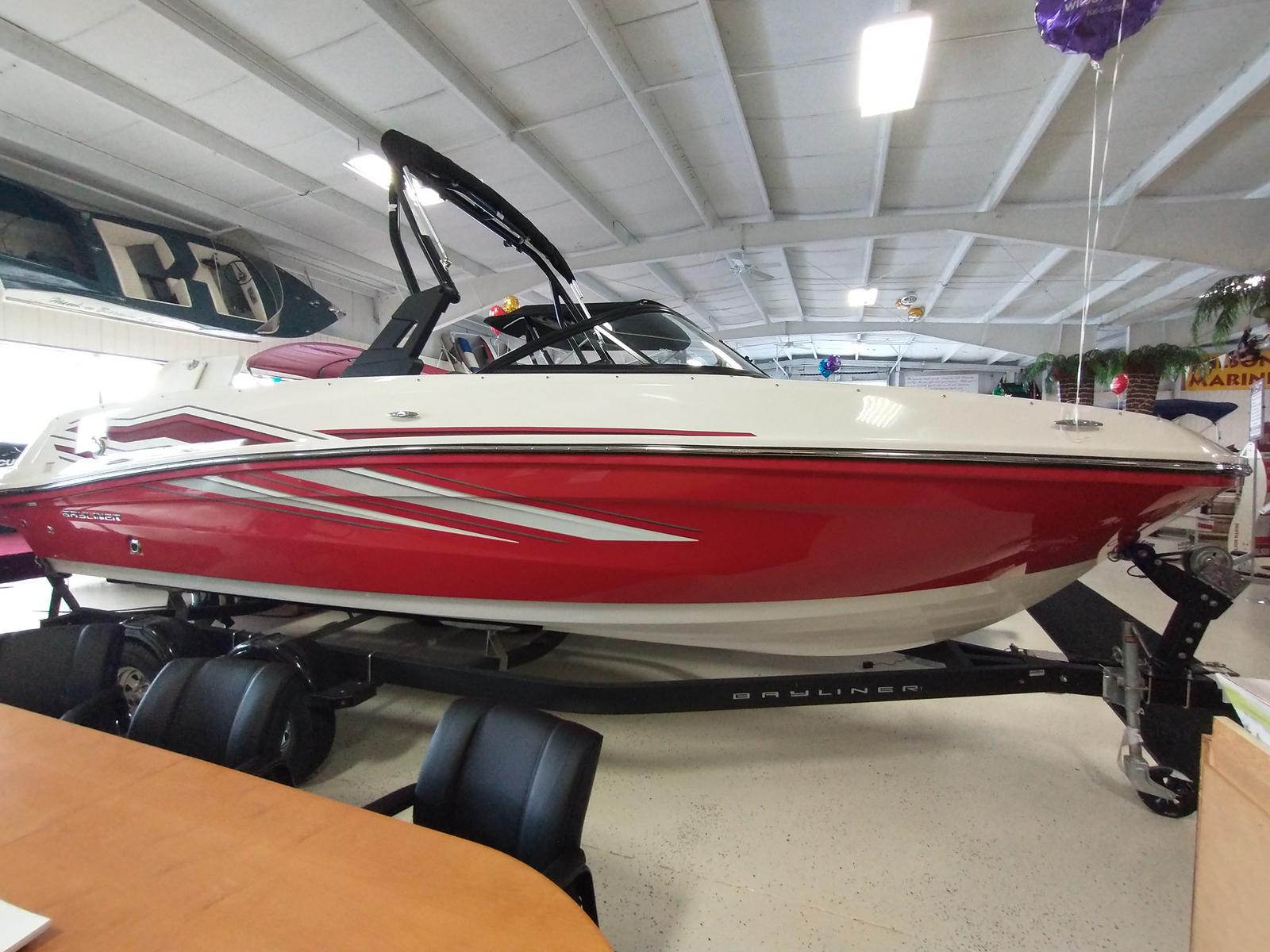 2021 Bayliner boat for sale, model of the boat is VR6 Bowrider & Image # 1 of 10