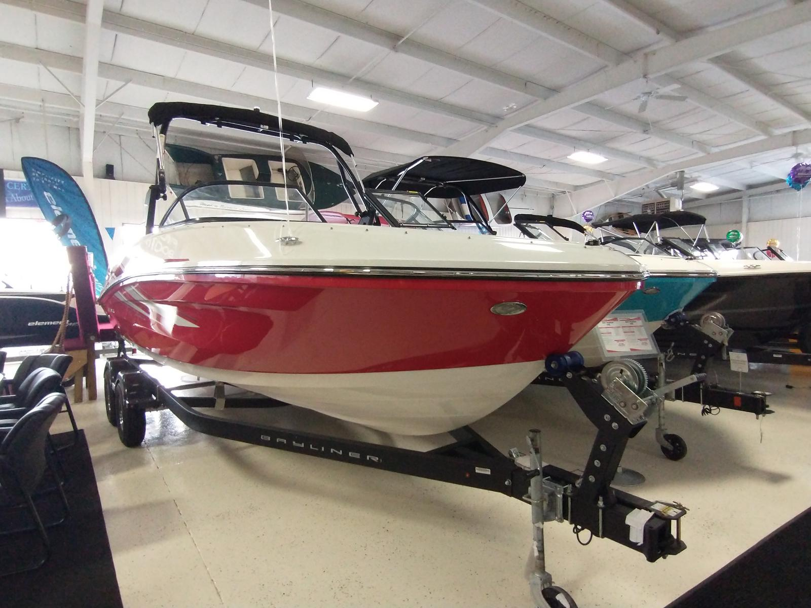2021 Bayliner boat for sale, model of the boat is VR6 Bowrider & Image # 2 of 10