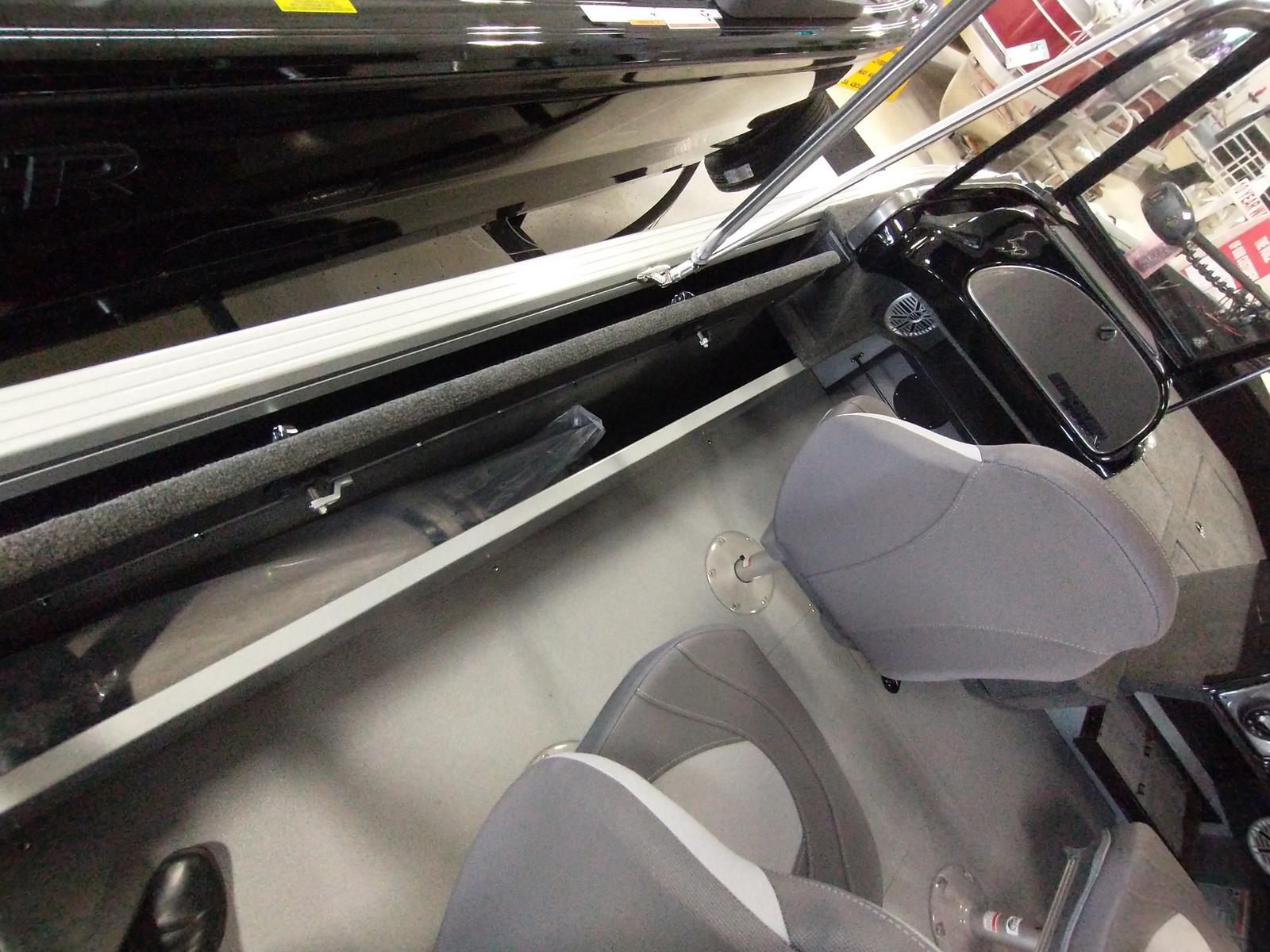 2021 Smoker Craft boat for sale, model of the boat is Adventurer 188 DC & Image # 6 of 23