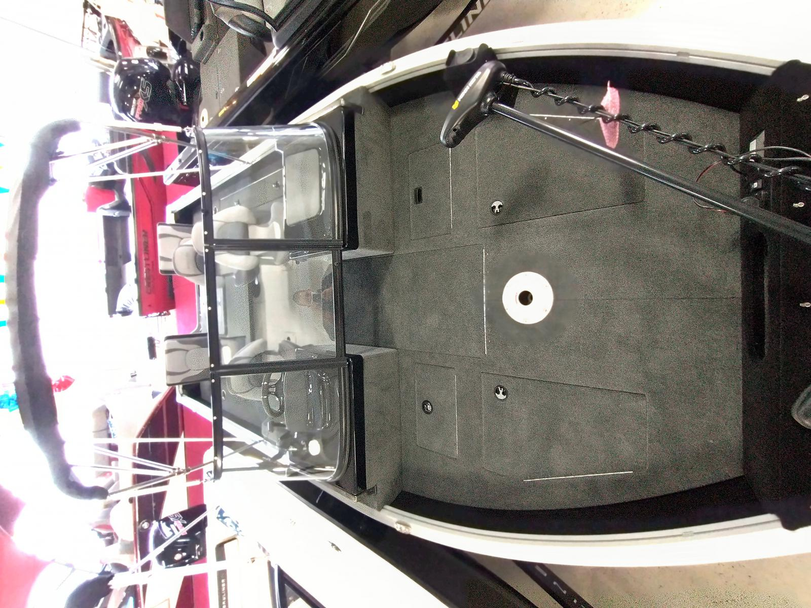 2021 Smoker Craft boat for sale, model of the boat is Adventurer 188 DC & Image # 10 of 23