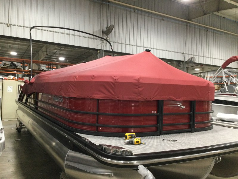 2021 Bennington boat for sale, model of the boat is 25 RSB & Image # 10 of 27