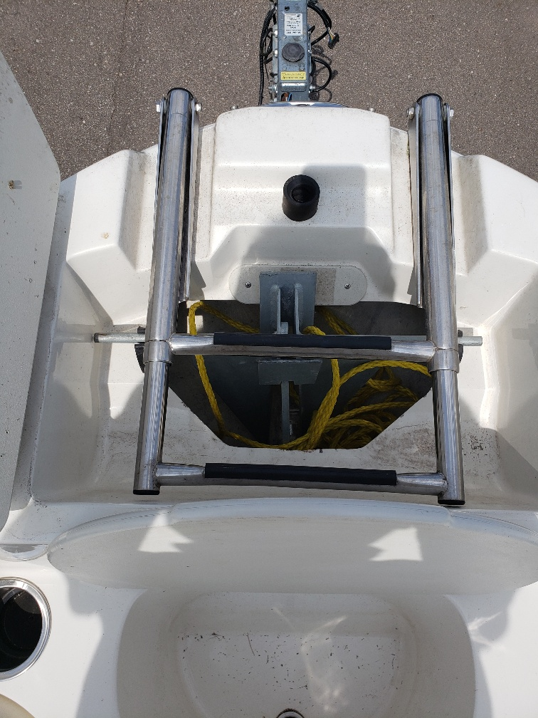 2013 Stingray Boats boat for sale, model of the boat is 208LR & Image # 9 of 15